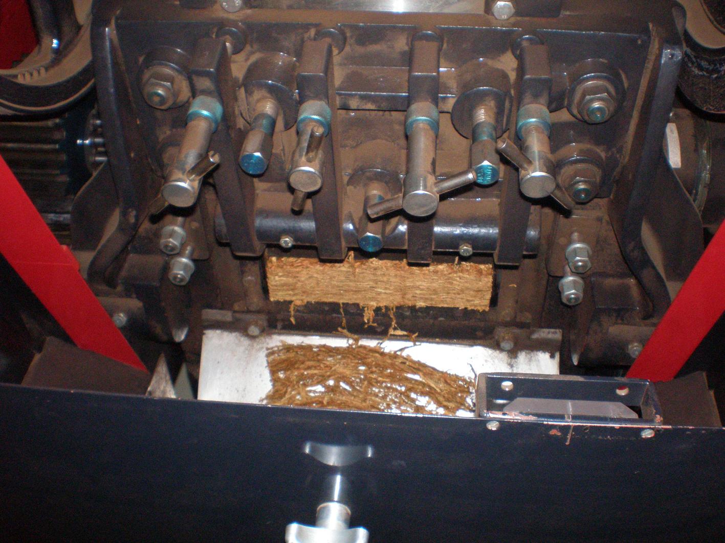 Fine Cut Tobacco Tobacco Cutting Machine at Dtm